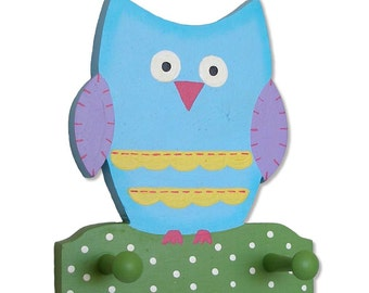 Owl Wall Hanging Handpainted With Two (2) Pegs For Hanging Stuff