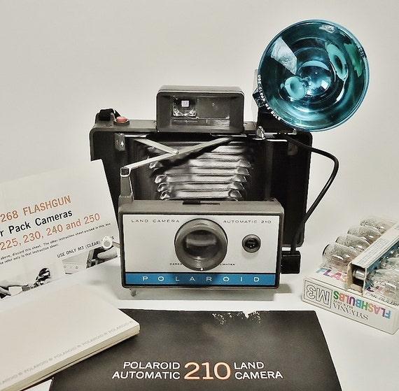 Vintage Polaroid Automatic 210