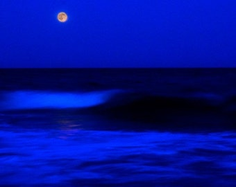 Waves in Moon by Richard Burns