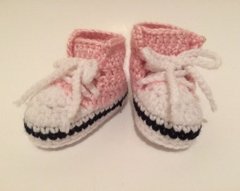 Converse style crochet baby shoes.