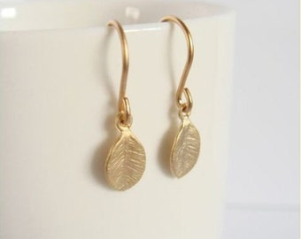 Tiny gold leaf earrings - Leaf earrings - Bridesmaids earrings - Bridal jewelry - Everyday jewelry