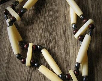 Chocker necklace 2 rows bones and hematite