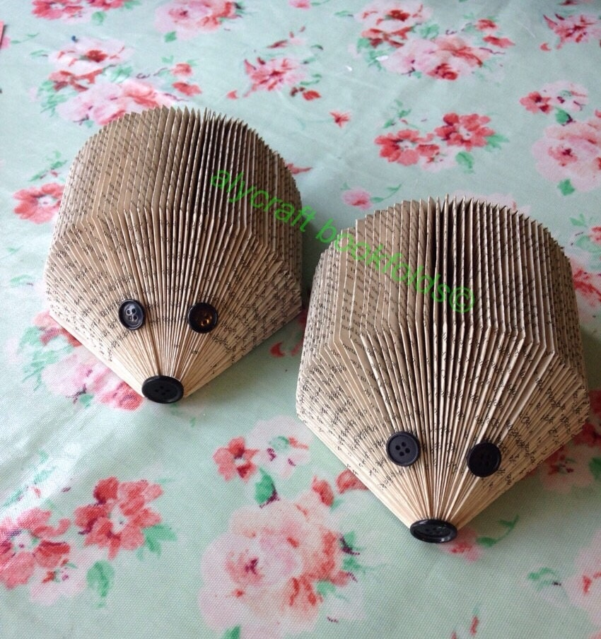 How To Make A Book Hedgehog : Book fold hedgehog letter rack photo display or cute ornament
