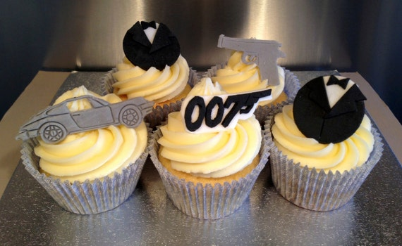 Edible icing james bond 007 themed cupcake by acupfulofcake for 007 decoration ideas