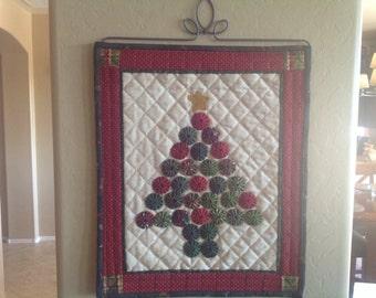 Quilt. Yo Yo Christmas Tree Wall Hanging