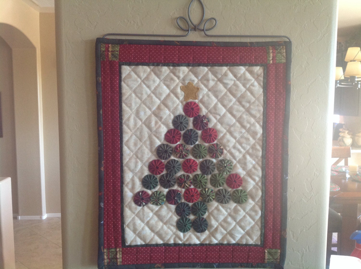 Quilt Yo Yo Christmas Tree Wall Hanging