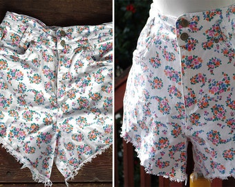 FLORAL 1980's 90's Vintage White High Waist Cotton Jean Shorts with Colorful Flowers // by GITANO // size Medium