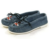 Minnetonka Moccasins / Beaded & Fringed Loafers / Blue Suede / Vintage 1980s / Women's size 9