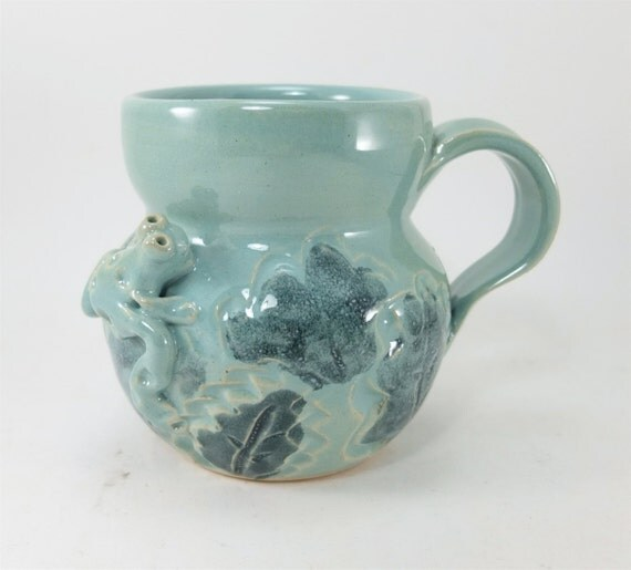 mug with frog and leaves
