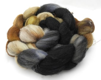 Queen's Tea Hand Dye Spinning Fiber - Roving Dyed to Order