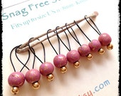 Snag Free Stitch Markers Medium Set of 8 - Pink and Gold Glass - M7 - Fits up to size US 11 (8mm) Knitting Needles