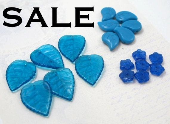 LAST Set - Blue Assortment of Vintage Czech Glass Flower And Leaf Beads (36X) (B661) S A L E - 50% off