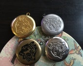 Round wolf pattern locket 25x25mm - Code 299.698