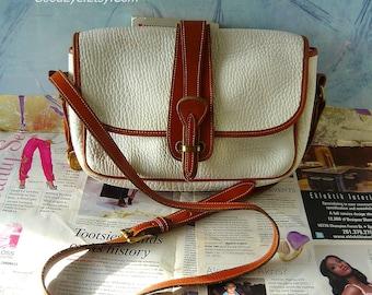 Vintage DOONEY and Bourke Shoulder Bag Medium IVORY White All Weather Leather Cross Body Purse Messenger AWL