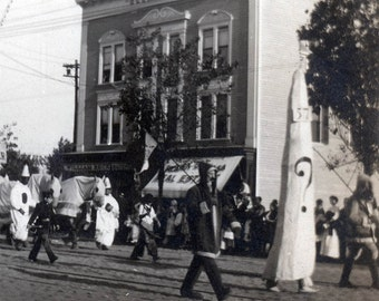 vintage photo 1909 The North Pole Cone Costume w Question Mark Mardi GRas Parade NY