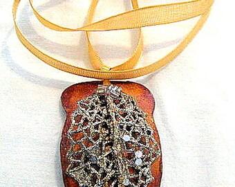 Glitzy Gourd Necklace