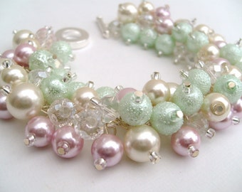 Pearl Wedding Bracelet, Pearl Bridesmaid Jewelry, Pale Pink Mint Green Ivory, Cluster Bracelet, Chunky Jewelry, Pastel Wedding, Beaded