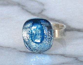 Sterling Silver and Dichroic Glass Cabochon Ring - Blue Metallics size..  UK M.5 .. US 6.75