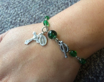 Kelly Green Rosary Bracelet -Single Decade Catholic Chaplet with Crucifix and Holy Medal