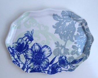 Fluted Porcelain Royal Blue Toile Tray