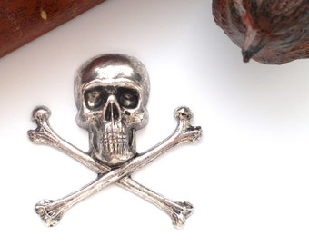 SILVER Large Skull and Bones Stamping - Jewelry Antique Silver Findings (C-501) x