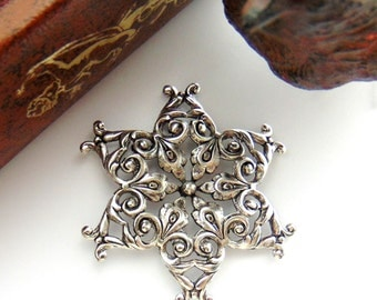 CLOSEOUT * Antique Silver Large Filigree Snowflake Stamping ~ Jewelry Ornament Findings (FB-6092 Dap)
