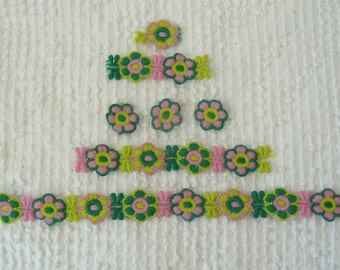 Vintage Applique Venise Trim - Retro daisies in pink and green - 17 plus inches total - unique