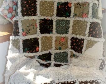 "Rag Quilt Handmade ""Cottage Sweetheart"" Shabby Cottage Chic"