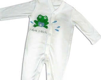 Frog Sleepsuit / Personalised Babygro / Personalized Babygrow / All in One / Baby Clothes / New Baby Gift
