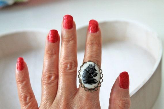Unicorn ring in white black Fantasy Kawaii lolita magic egl