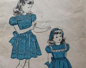 1940s Vintage Girls Dress Pattern With Lace Trimmed Yoke Sz4 Advance 4627