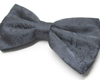 Mens Bowtie. Bowties. Charcoal Gray Paisley Bow tie With Matching Pocket Square Option