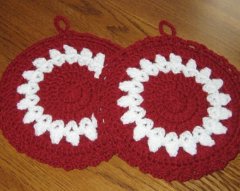 SALE Crochet Round Potholders set of 2 in Burgandy and White