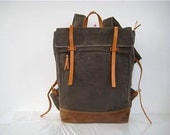 Waxed Canvas Backpack / Rucksack Zipper Closure Zipper Pocket Padded Straps Laptop Pouch Leather Stone Nutmeg