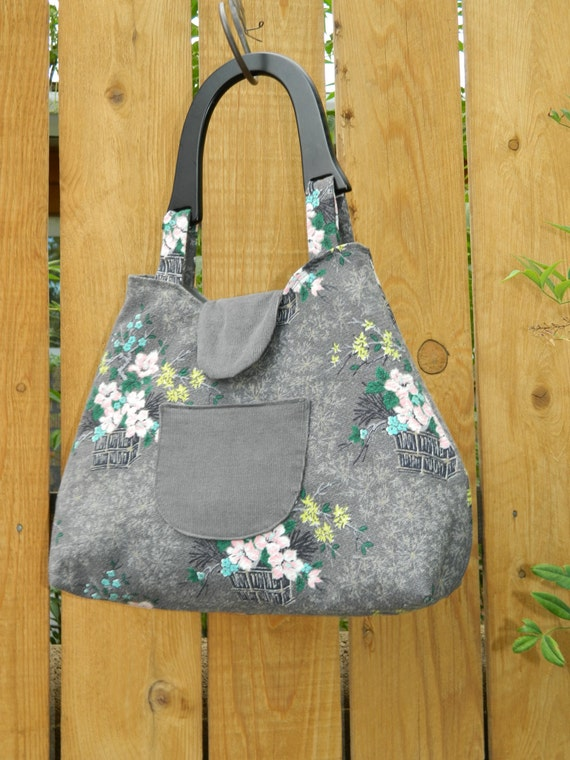 Gray Asian Floral Coquette Collection Retro Style Handbag with Wooden Handle and Snap Closure