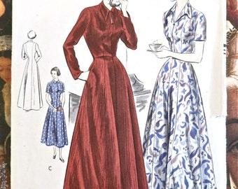 Vintage 1950s Housecoat or Brunch Coat Pattern - Vogue 6656