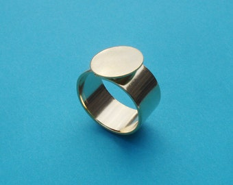 Gold Adjustable Ring 10mm Plain Band with 13mm Round Base Setting for a Flat Back Cab or Jewel (1 piece)