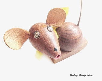 Vintage Wood Mouse Ring Catcher, Jewelry Holder