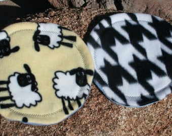 Mini Nap Spot for Little Creatures - Houndstooth Sheep