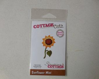 Cottage Cutz, Sunflower Mini Die