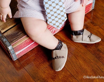 handmade leather baby shoes, custom monogrammed shoes ,personalized moccasins, personalized baby shoes