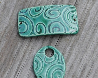 Emerald Green Swirl Pottery Bead set