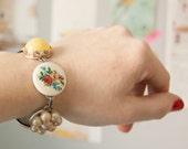 Grannys treasures -  bracelet with vintage treasures