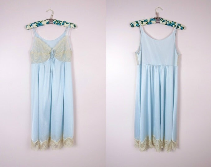 1960s Pale Blue Nightie Size M