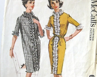 1960s Vintage Sewing Pattern - Mod Button-Front Dress with Ruffles - McCall's 6501 / Size 14
