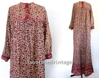 70s Vintage Indian Pakistan Ethnic Boho Hippie Cotton Gauze Metallic Lurex Indian Gypsy Festival Maxi Tunic Dress . XS . SM . 885.10.8.14