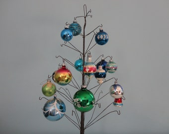 VINTAGE collection of 15 mid century ORNAMENTS - blues and greens