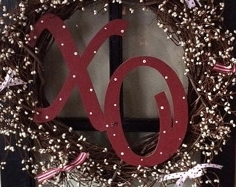 "18"" XO Valentine wreath, pip berries & grapevine"