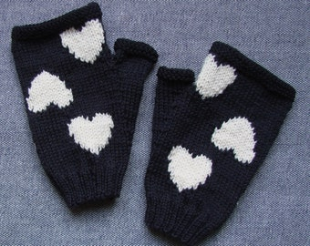 Hearts hand-knitted wool fingerless mitts/gloves