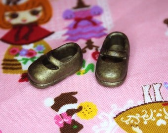 Middie Blythe Antique Bronze shimmer Mary Jane shoes